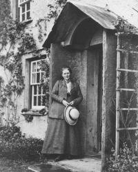 Beatrix at Hill Top House (1)